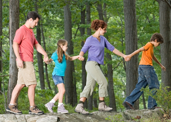 Favorite-Spring-Outdoor-Family-Activities.jpg (600×428)
