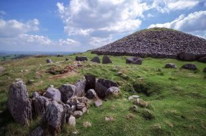 cairns s and cairn t loughcrew